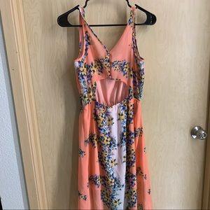 Dresses & Skirts - Floral midi/maxi dress